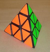 (visor-v.ru)Piramida_Rubika(Pyraminx)